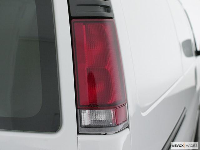 2002 Chevrolet Express Cargo Passenger Side Taillight