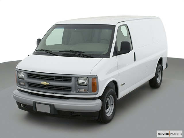 2002 Chevrolet Express Cargo Front angle view