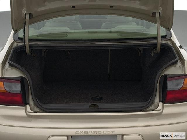 2002 Chevrolet Malibu Trunk open