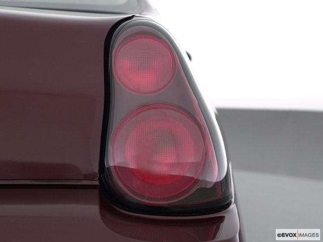 2002 Chevrolet Monte Carlo Passenger Side Taillight