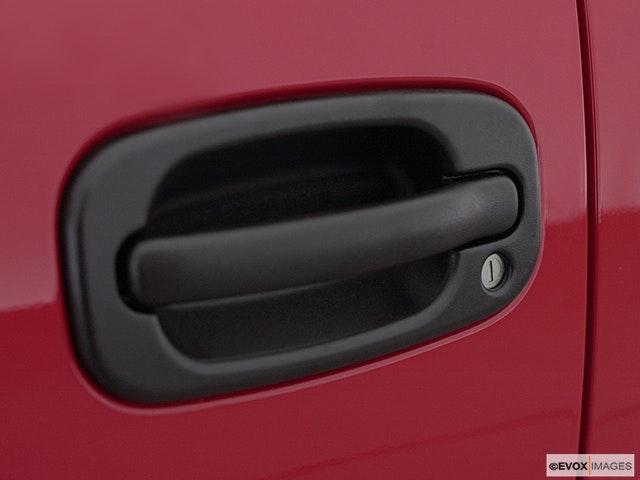 2002 Chevrolet Silverado 3500 Drivers Side Door handle