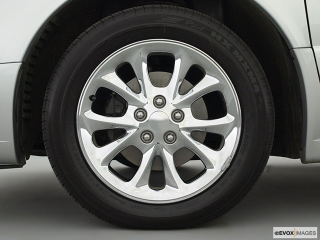 2002 Chrysler 300M Front Drivers side wheel at profile