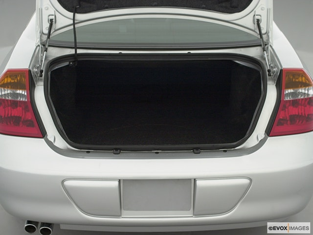 2002 Chrysler 300M Trunk open