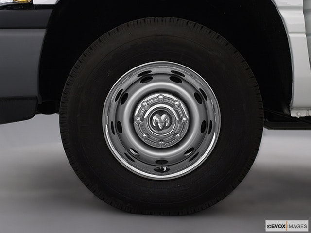 2002 Dodge Ram Pickup 2500 Front Drivers side wheel at profile