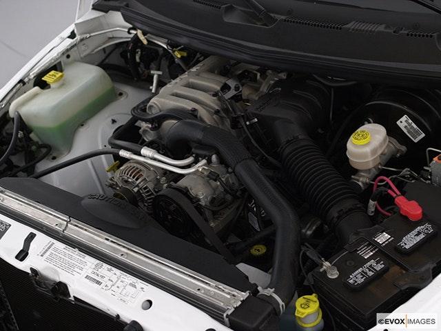 2002 Dodge Ram Pickup 2500 Engine