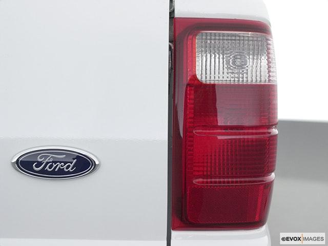 2002 Ford Ranger Passenger Side Taillight