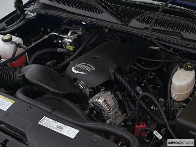 2002 GMC Sierra 2500HD Engine