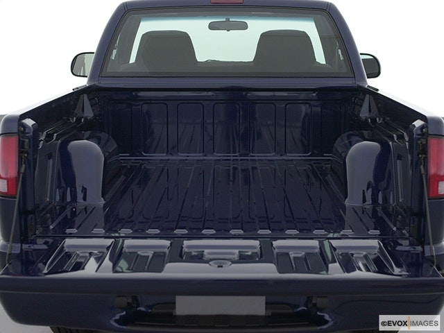 2002 GMC Sonoma Trunk open
