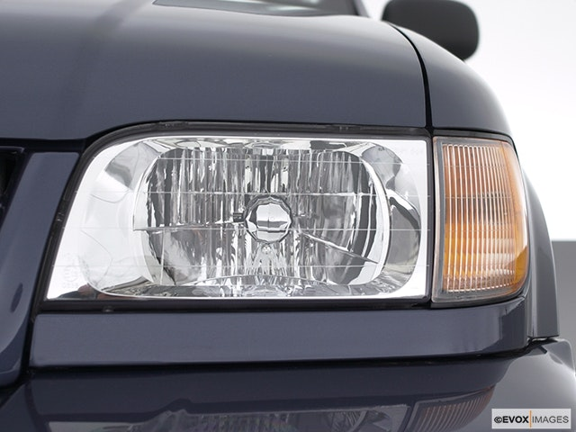2002 Kia Sportage Drivers Side Headlight