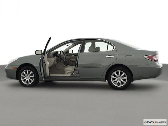 2002 Lexus ES 300 Driver's side profile with drivers side door open