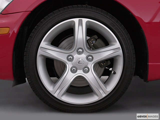 2002 Lexus IS 300 Front Drivers side wheel at profile