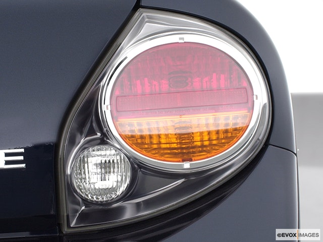 2002 Nissan Maxima Passenger Side Taillight
