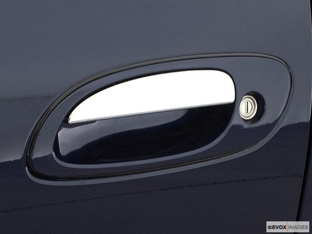 2002 Nissan Maxima Drivers Side Door handle