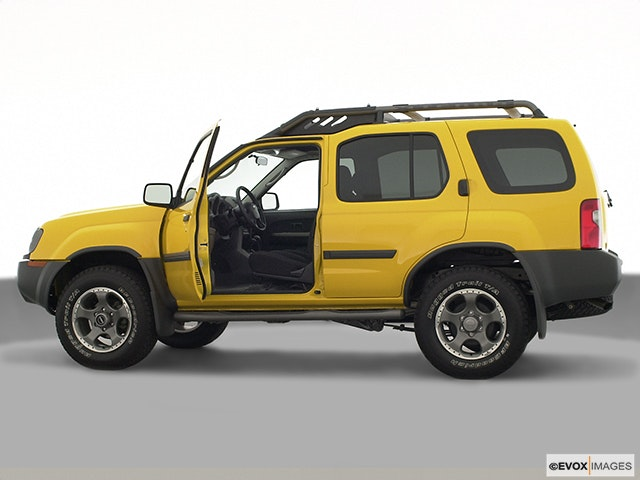 2002 Nissan Xterra Driver's side profile with drivers side door open