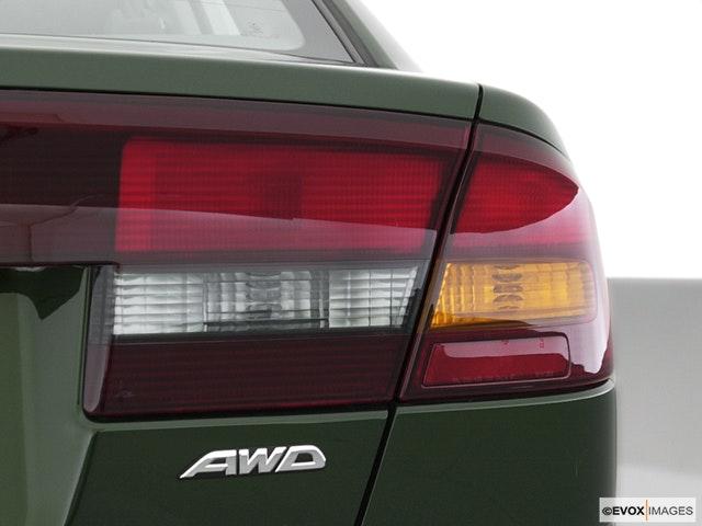 2002 Subaru Legacy Passenger Side Taillight