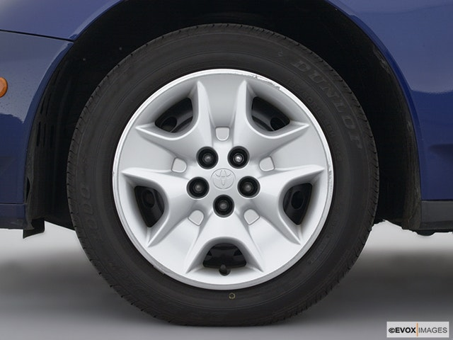 2002 Toyota Celica Front Drivers side wheel at profile