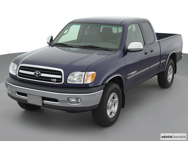 2002 Toyota Tundra Front angle view