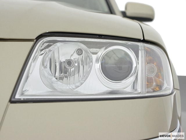 2002 Volkswagen Passat Drivers Side Headlight