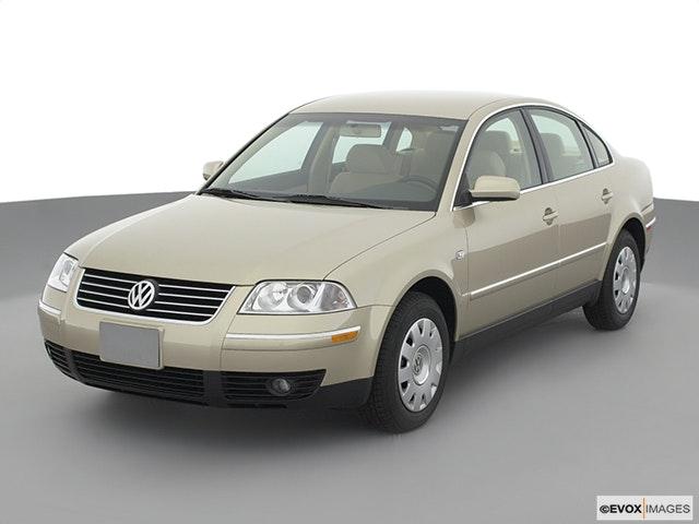 2002 Volkswagen Passat Front angle view
