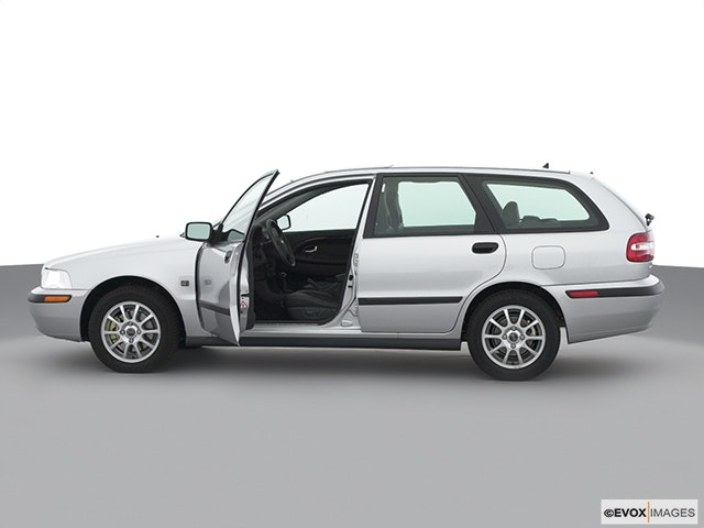 2002 Volvo V40 Driver's side profile with drivers side door open