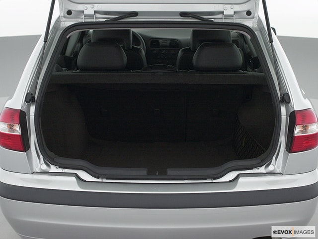 2002 Volvo V40 Trunk open