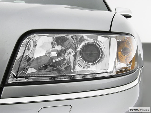 2003 Audi S8 Drivers Side Headlight