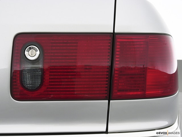 2003 Audi S8 Passenger Side Taillight