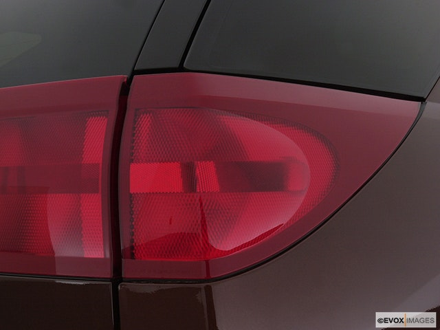 2003 Buick Rendezvous Passenger Side Taillight