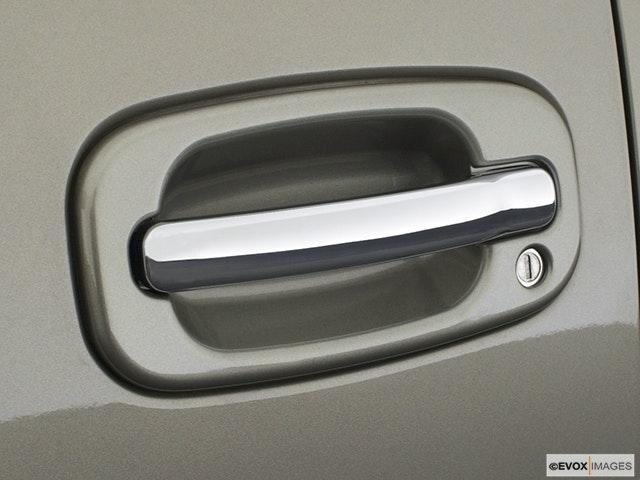 2003 Cadillac Escalade Drivers Side Door handle
