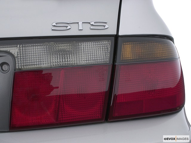 2003 Cadillac Seville Passenger Side Taillight