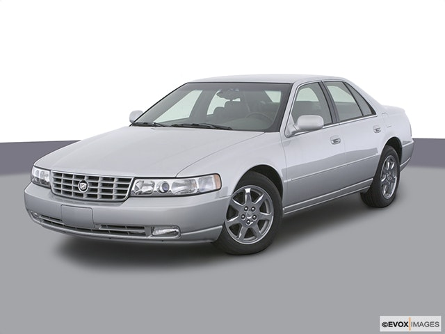 2003 Cadillac Seville Front angle view