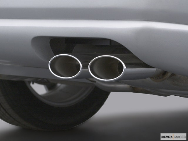 2003 Cadillac Seville Chrome tip exhaust pipe
