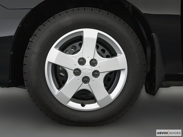 2003 Chevrolet Cavalier Front Drivers side wheel at profile