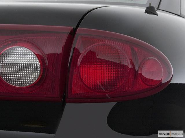2003 Chevrolet Cavalier Passenger Side Taillight