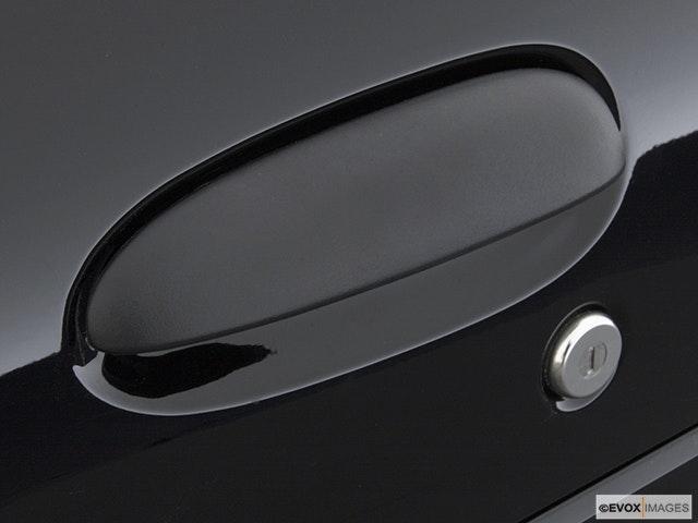 2003 Chevrolet Cavalier Drivers Side Door handle