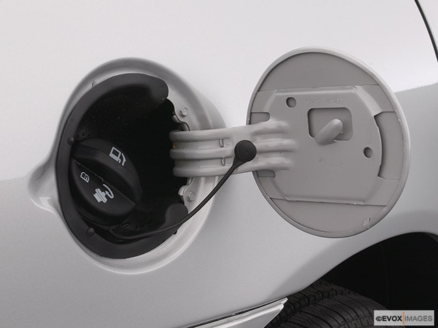 2003 Chevrolet Malibu Gas cap open