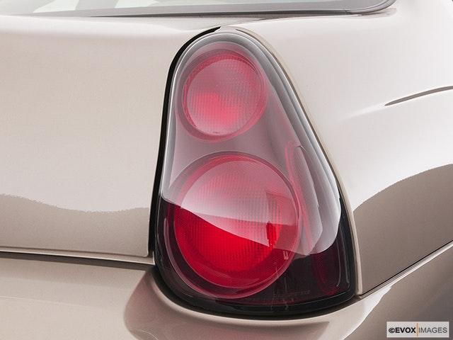 2003 Chevrolet Monte Carlo Passenger Side Taillight