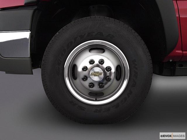 2003 Chevrolet Silverado 3500 Front Drivers side wheel at profile