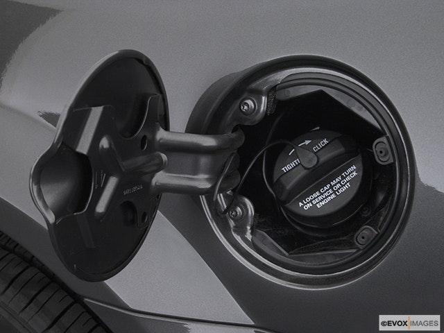 2003 Chrysler Sebring Gas cap open