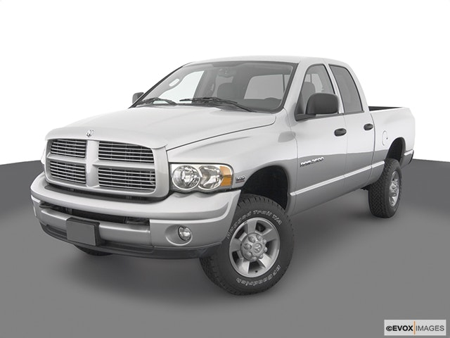 2003 Dodge Ram Pickup 2500 Front angle view