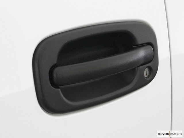2003 GMC Sierra 1500HD Drivers Side Door handle