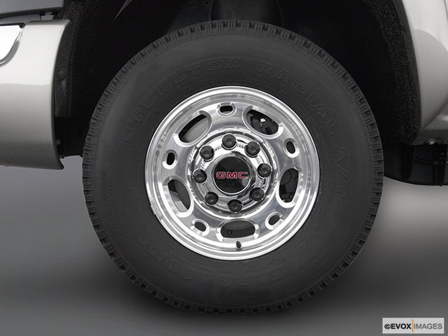 2003 GMC Sierra 2500HD Front Drivers side wheel at profile
