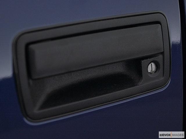 2003 GMC Sonoma Drivers Side Door handle