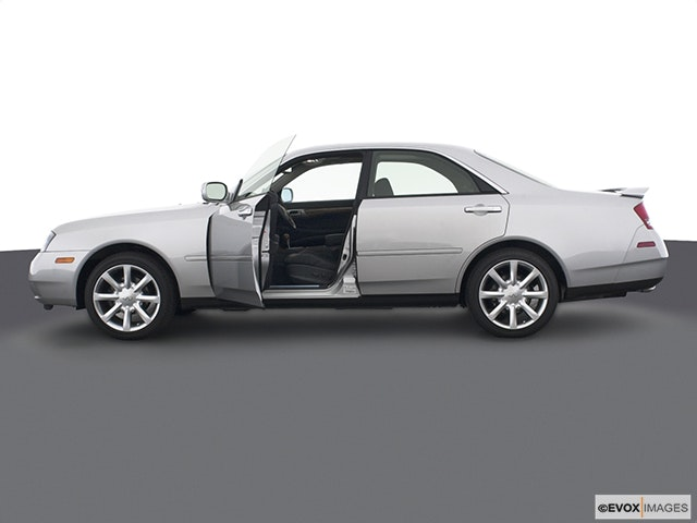 2003 INFINITI M45 Driver's side profile with drivers side door open