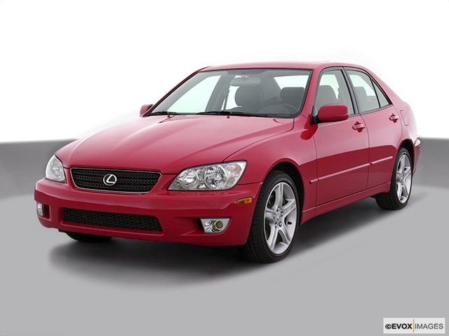 2003 Lexus IS 300 Front angle view