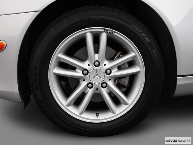 2003 Mercedes-Benz C-Class Front Drivers side wheel at profile