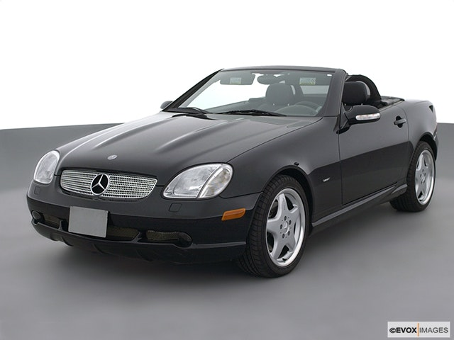 2003 Mercedes-Benz SLK Front angle view