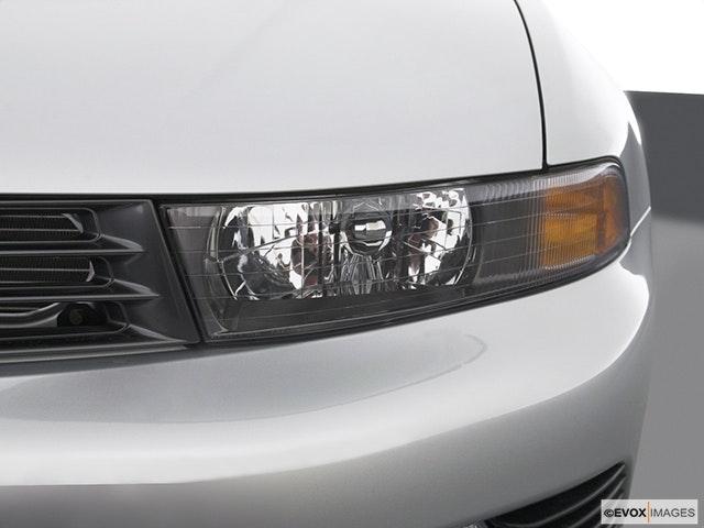 2003 Mitsubishi Galant Drivers Side Headlight