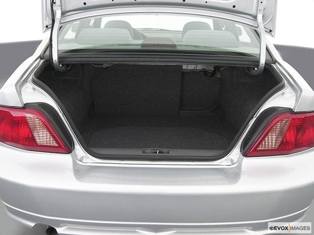2003 Mitsubishi Galant Trunk open