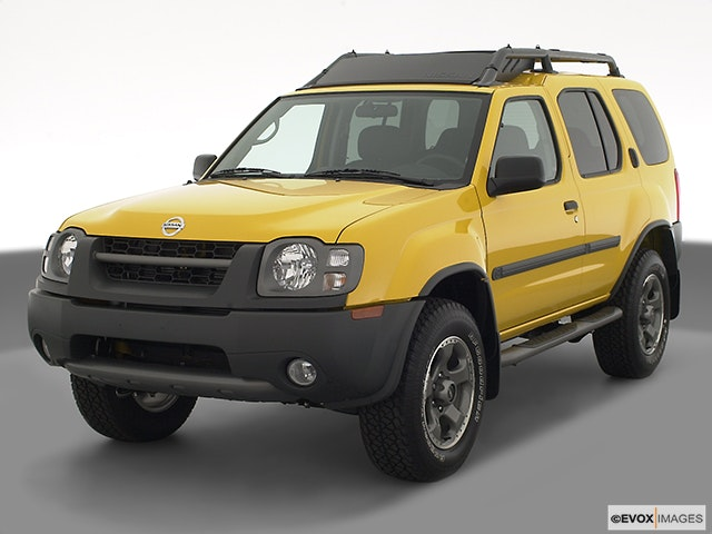 2003 Nissan Xterra Front angle view